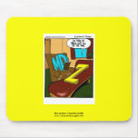 Dibujo animado divertido de la psiquiatría en el p alfombrillas de raton