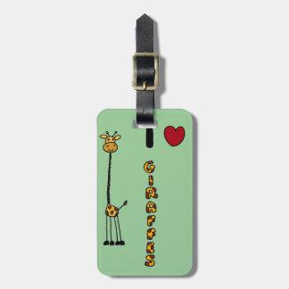 Dibujo animado divertido de las jirafas del amor etiqueta para maleta