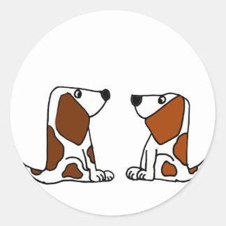 Dibujo animado divertido de los perros de perrito pegatina redonda