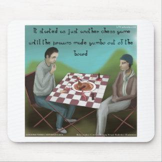 Dibujo animado divertido del ajedrez de Cajun Alfombrilla De Ratón
