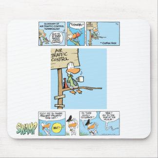 Dibujo animado divertido del controlador aéreo tapete de ratones