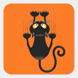 Dibujo animado divertido del gato negro que rasguñ colcomanias cuadradas personalizadas