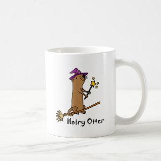 Dibujo animado divertido del mago de la nutria de taza de café