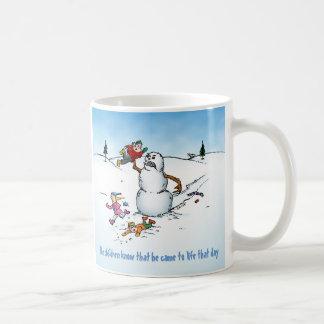 Dibujo animado divertido del muñeco de nieve del taza clásica