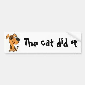 Dibujo animado divertido del perro del BB que culp Etiqueta De Parachoque