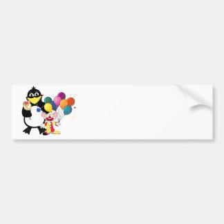 Dibujo animado divertido del pingüino y del payaso pegatina para auto