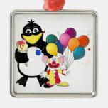Dibujo animado divertido del pingüino y del payaso adorno