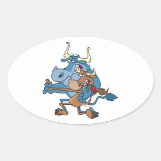 dibujo animado divertido del tango del toro de la pegatina ovalada