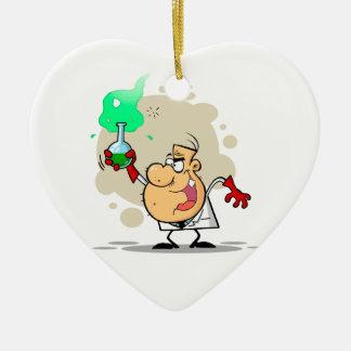 dibujo animado enojado loco del científico adorno navideño de cerámica en forma de corazón