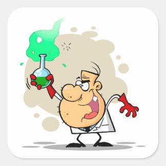 dibujo animado enojado loco del científico pegatina cuadrada