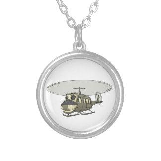 Dibujo animado feliz del helicóptero de Huey Collar Plateado