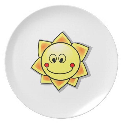 Dibujo animado feliz del sol plato para fiesta