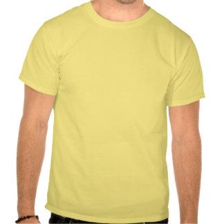 Dibujo animado grande de la persona que practica camiseta