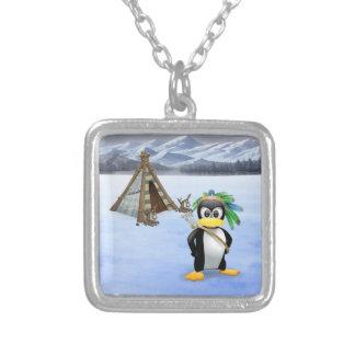 Dibujo animado indio americano del pingüino collar plateado