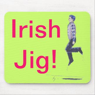 Dibujo animado irlandés tradicional del baile tapete de raton