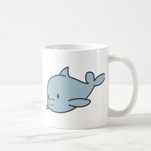 Dibujo animado lindo de encargo del delfín del taza