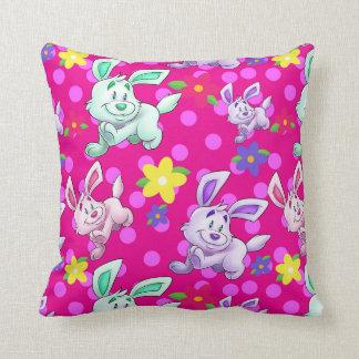 Dibujo animado lindo de la almohada del conejito