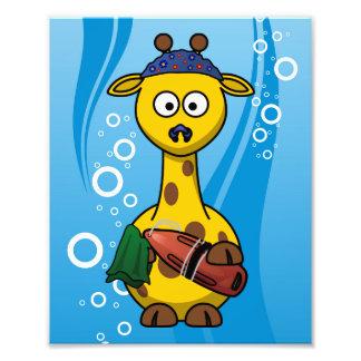 Dibujo animado lindo de la jirafa del nadador fotografías