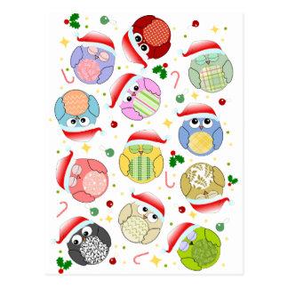 Dibujo animado lindo de los búhos del navidad tarjetas postales