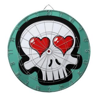 Dibujo animado lindo de los cráneos del corazón tablero dardos