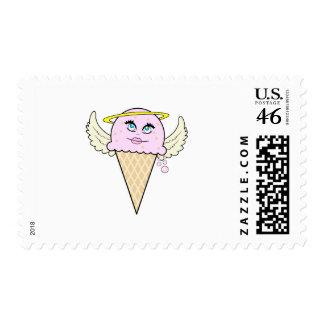 dibujo animado lindo del cono de helado del ángel