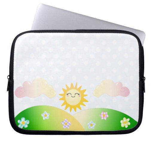 Dibujo animado lindo del kawaii del sol fundas computadoras