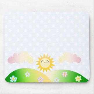 Dibujo animado lindo del kawaii del sol tapetes de ratón