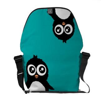 Dibujo animado lindo del pingüino bolsas de mensajeria