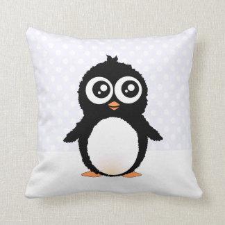 Dibujo animado lindo del pingüino almohadas