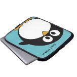 Dibujo animado lindo del pingüino con el área para funda portátil