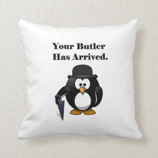 Dibujo animado lindo del pingüino del mayordomo cojin