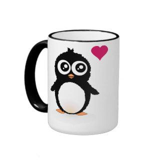 Dibujo animado lindo del pingüino tazas