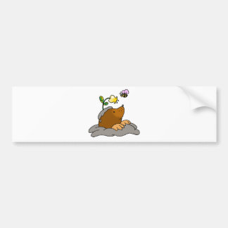 dibujo animado lindo del topo con una abeja de la  pegatina para auto