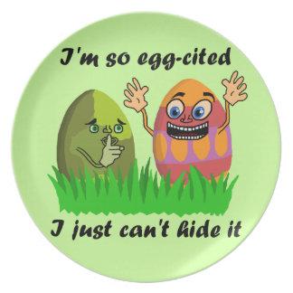 Dibujo animado lindo divertido de los huevos de plato de comida