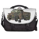 Dibujo animado militar del camión volquete bolsas para portatil