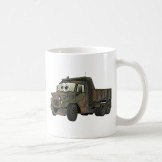 Dibujo animado militar del camión volquete taza de café