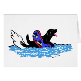 Dibujo animado negro de Labrador que nada Tarjeta De Felicitación