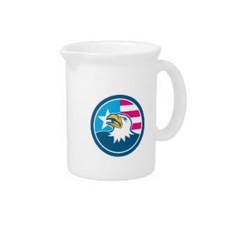 Dibujo animado principal calvo americano del lado jarra para bebida