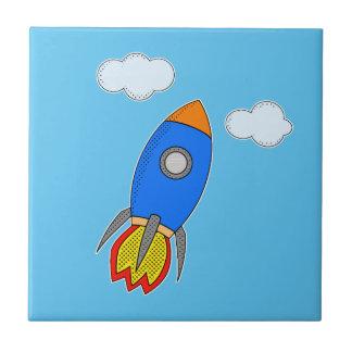 Dibujo animado Rocket en cielo azul Azulejo Cuadrado Pequeño