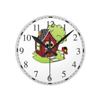 Dibujo animado rojo de la casa reloj redondo mediano