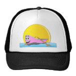 Dibujo animado rosado del barco de fila gorras