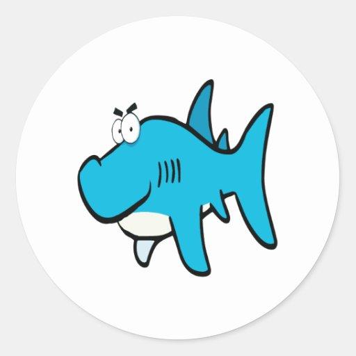 dibujo animado smirking del tiburón etiquetas redondas