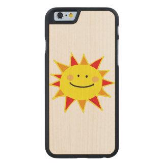 dibujo animado sonriente amarillo lindo del sol funda de iPhone 6 carved® de arce