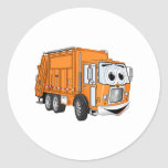 Dibujo animado sonriente anaranjado del camión de pegatinas redondas