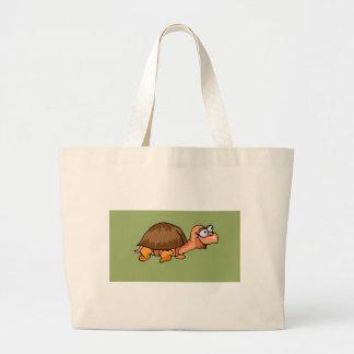 Dibujo animado sonriente de la tortuga en fondo ve bolsa de mano