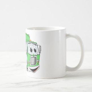 Dibujo animado sonriente verde claro del camión de taza