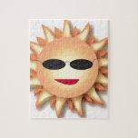 Dibujo animado Sun que lleva sombras frescas Puzzles Con Fotos