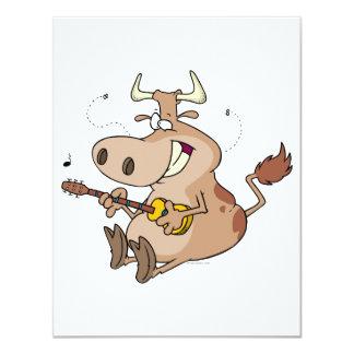 """dibujo animado tonto de la vaca que toca la invitación 4.25"""" x 5.5"""""""