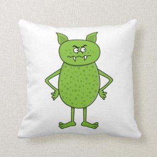 Dibujo animado verde lindo del goblin cojín