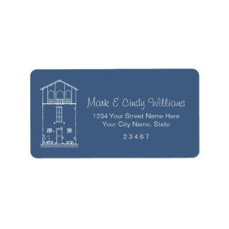 Dibujo azul y blanco de la casa minúscula del etiquetas de dirección